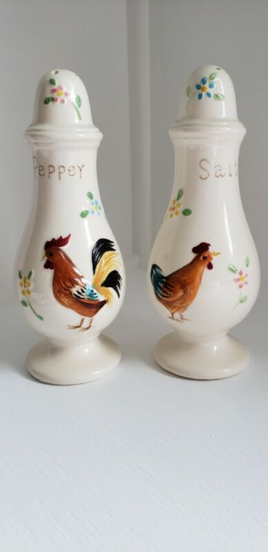 Enesco vintage.Rooster and Hen, Salt and Pepper Shakers And Creamer, Japan