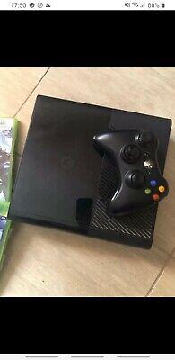 Microsoft Xbox 360 Slim 4GB Console - Nera
