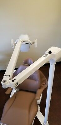 Used Pelton Crane Lf2 Dental Light