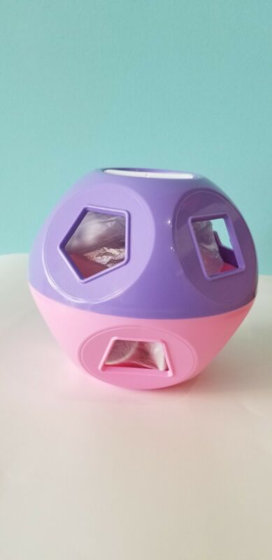 Tupperware Shape-O Toy  Exclusive color.