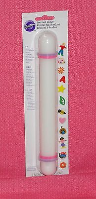 (Rolling Pin, 9 Inch,With Guides, Wilton, Plastic, White, Fondant Roller)