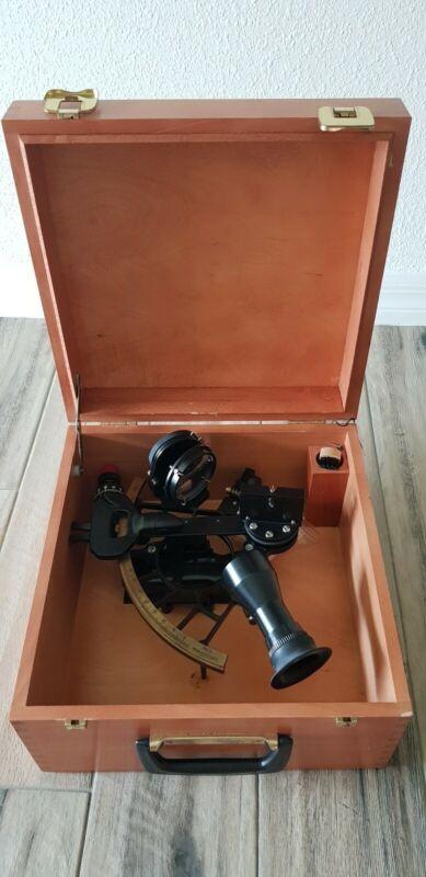 Sextant Marine Cassens&Plath .Wooden box