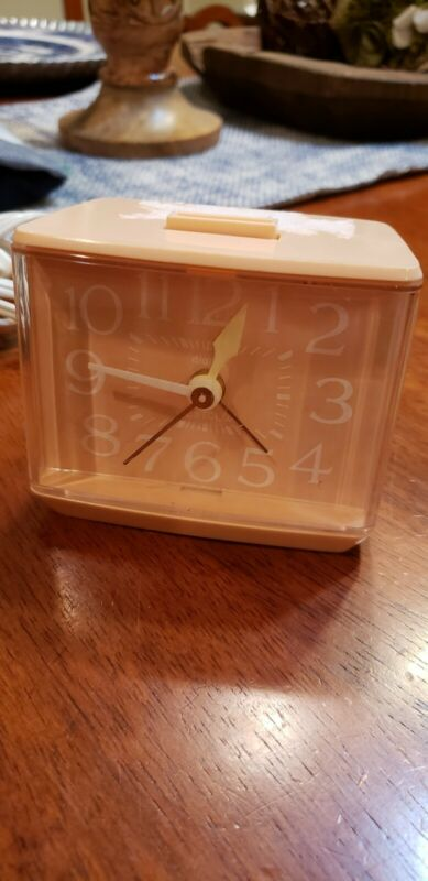 Vintage Westclox Peach Softee Electric Dialite Drowse Alarm Clock