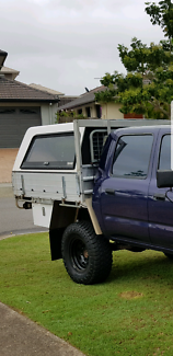 Tray/canopy hilux 98swap or $650 for blue tub with canopy. Hilux.