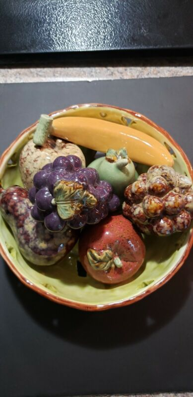 Vintage Ceramic Fruit Bowl with 2 Apples 2Pears 2 Grape and a Banana