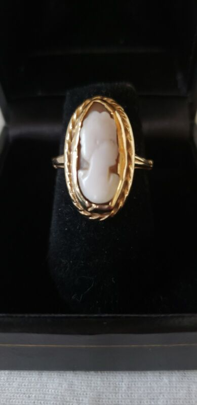 Vintage 10K Yellow Gold Oval Shaped Cameo Ring, Size 5, Pre-Owned
