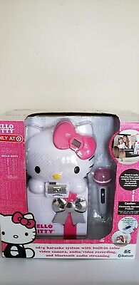 (Hello Kitty Portable CD+G Karaoke System with Built-In Color Video Camera)