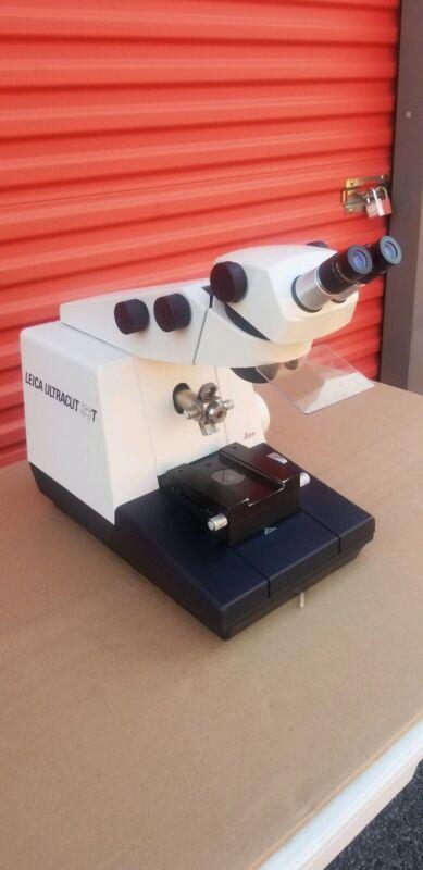 Leica Ultracut UCT Ultramicrotome
