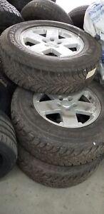 2011 Jeep WRANGLER UNLIMITED ** PNEUS D'HIVER X 5!! 255/70/R18 *