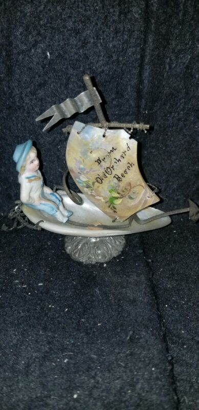 ANTIQUE PROM OLD ORCHARD BEACH ME MOTHER OF PEARL BOAT THIMBLE HOLDER bisque boy
