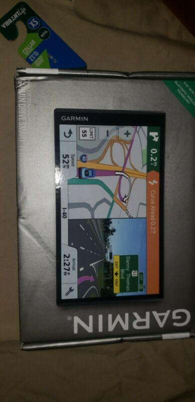"Garmin DriveSmart 71 EX- 6.95"" Sreen With Traffic Mountable GPS System BRAND NEW"