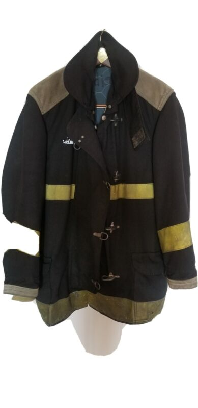 44x35 35L Globe Firefighter Black Turnout Jacket Coat with Yellow Tape J932