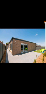 Room for rent in craigieburn. Fully furnished house
