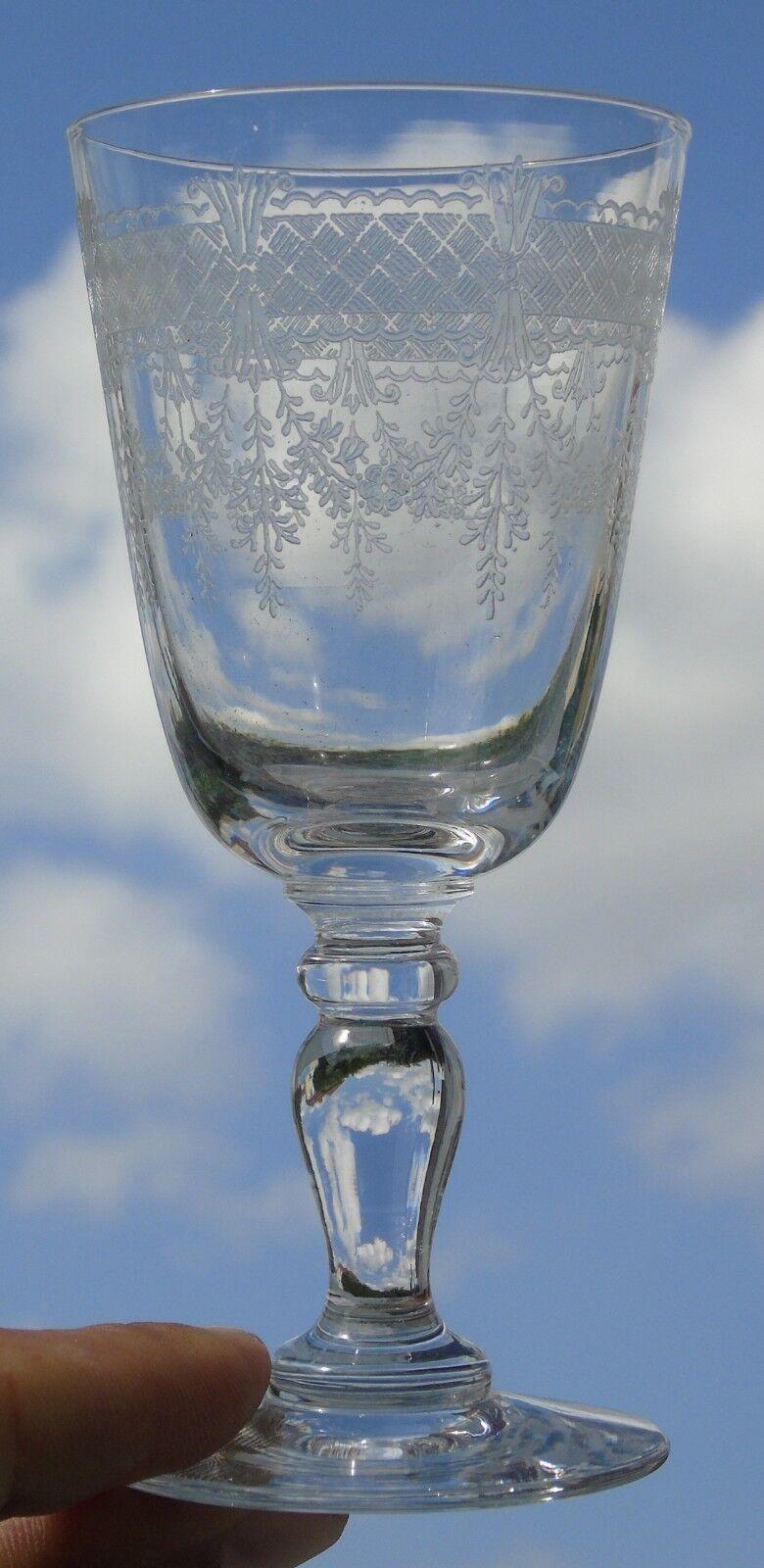 saint louis - verre à vin en cristal gravé, modèle papin