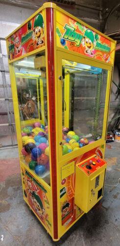 TOY SOLDIER Claw Crane Prize Redemption Full Size Arcade Machine - WORKING!