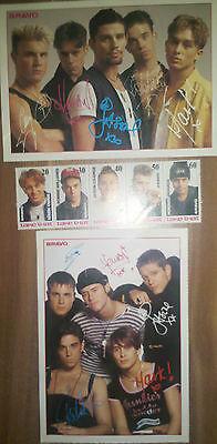 Take That 2 Autogrammkarten+5 Briefmarken Robbie Williams Gary Barlow Mark Owen