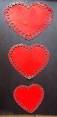 VALENTINE'S DAY HEARTS CARDBOARD BULLETIN BOARD WALL MOBILE! (Valentines Bulletin Board)