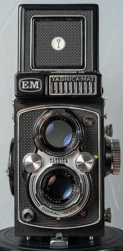 Yashica-mat EM Twin Lens Reflex (TLR) Medium Format Camera