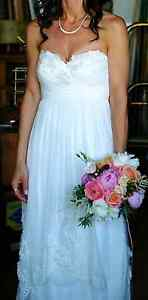 PRICE DROP: STUNNING WTOO WATTERS JASMINE WEDDING GOWN & VEIL