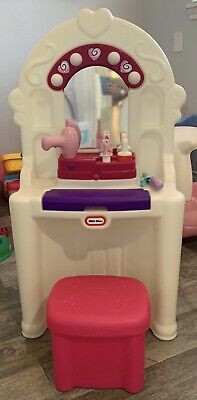 Little Tikes Vanity With Stool And Accessories / Pink And Purple