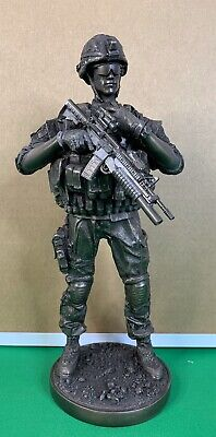 US Armed Forces REPORTING DETAIL Soldier Statue Figurine Military Army Marines