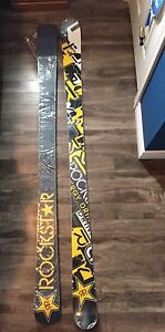 Twin tip Skis