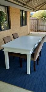 Dining table and chairs good condition