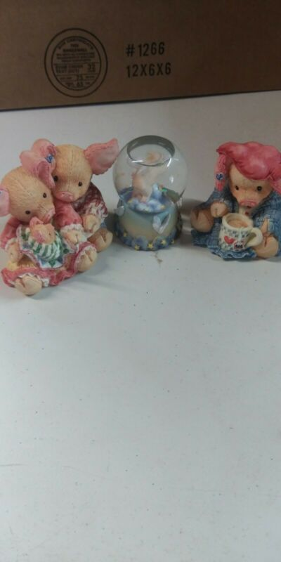 2 this little piggy enesco and water globe