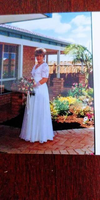 1995 Hobnob Wedding Dress Wedding Gumtree Australia