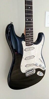 Stratocaster Alexander Pribora Pickups with natural neck nice and smooth.