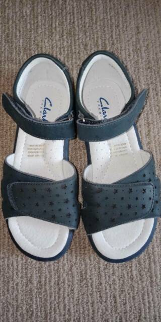 Girls shoes Clarks brand new size 32E 13 | Kids