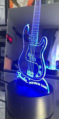FENDER PRECISION Bass Gitarre LED Lampe, 16 Farben mit Gravur und Fernbedienung