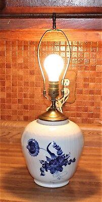ROYAL COPENHAGEN BLUE FLOWERS BRAIDED LAMP 10/1991