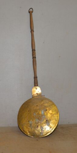 Rare antique star embossed brass bed warmer copper rivet wood handle collectible