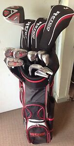 Retro golf clubs new Sawtell Coffs Harbour City Preview