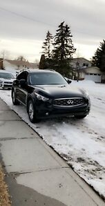 Infiniti Fx 35 2010 AWD in amazing condition.
