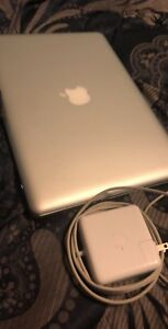 Macbook pro 2012  2.5ghz 500Gb 13inch i5 core