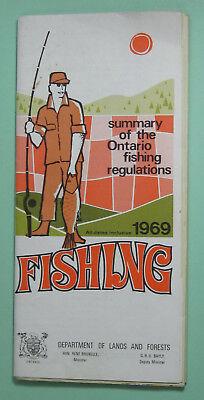 1969 Ontario Canada Angling Fishing License Regulations Book...Free Shipping!
