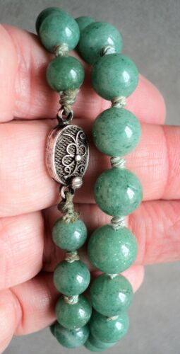 """Vtg Graduated SPECKLED JADE 18"""" NECKLACE Ornate SILVER CLASP Knotted on Silk"""