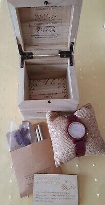 Holzkern, Damen Armbanduhr, Original, Neu Amarath/Perlmutt rot