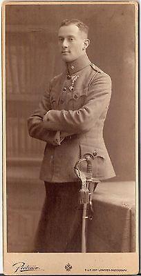 CAB photo KuK Soldat mit Orden & Widmung - Wien 1917