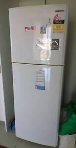 Used Sumsang refrigerator / fridge and 5kg washing mechine $ 165 Wolli Creek Rockdale Area Preview