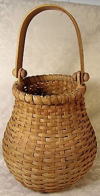 Vintage Nantucket Onion Shaped Wicker Basket Gathering Wooden Handle Early
