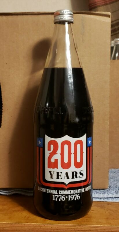 1976 Dr Pepper 200 Years Bicentennial 1776-1976 Commemorative Bottle 32oz FULL