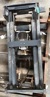1025v1043 Upright Mast Clark Over All Height 57 2 Rail Lift Height 40