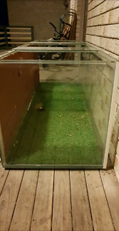 Reptile tank/enclosure