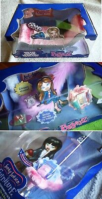 HARD TO FIND, HALF BRATZ DOLL FUNKY FASHION FURNITURE SERIES (EGG, ART DECO) NEW