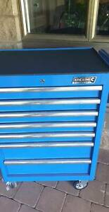 7 draw kincrome roller toolbox pick up only.