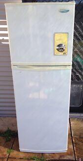 Westinghouse frost free 340L fridge  Stockton Newcastle Area Preview
