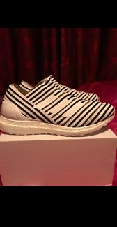 Adidas ultra boost laceless brand new size 10